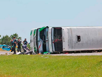 Tras la tragedia del micro en la ruta 2, el Municipio de Tigre decretó 3 días de duelo