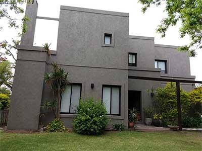 Revestimiento y pintura para mantener las casas lindas